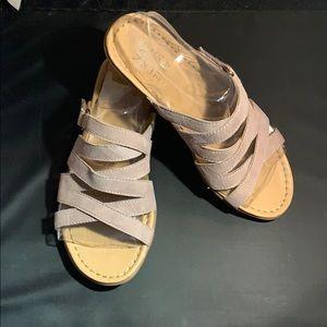 Naturalizer, tan size 6M, suede slide sandals.